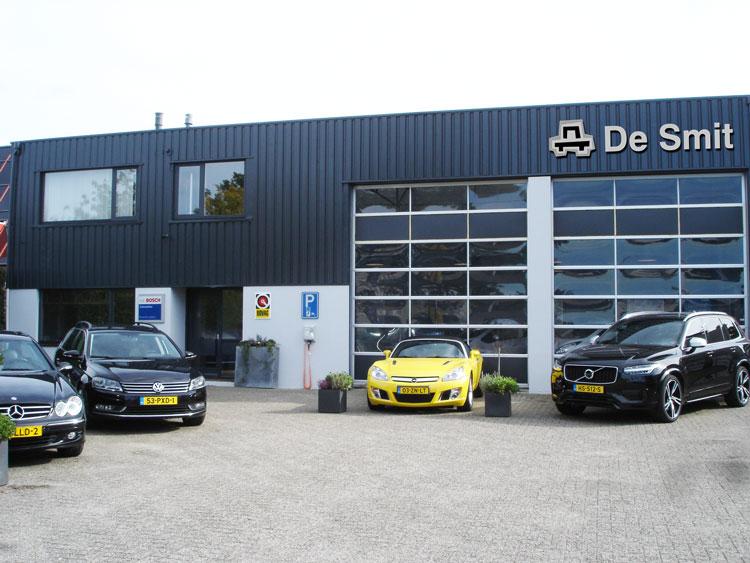 Voorkant-Autobedrijf-De-Smit